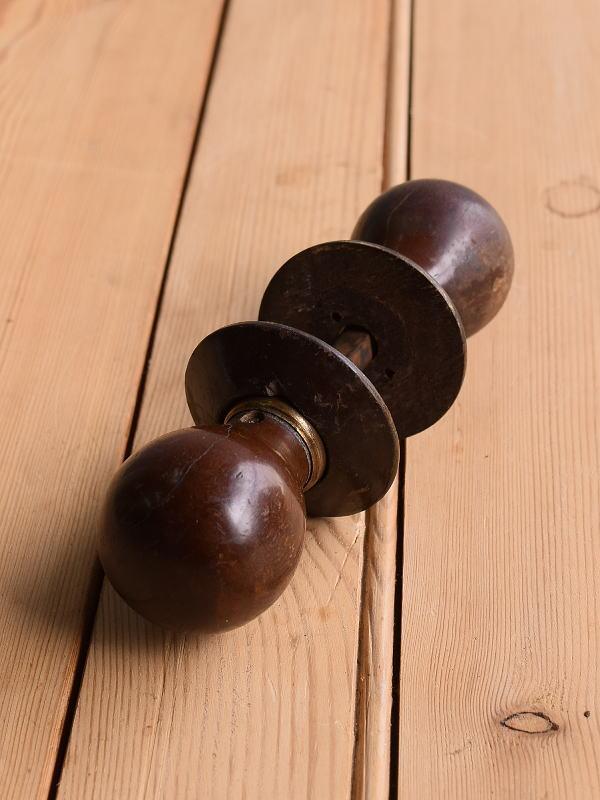 イギリス アンティーク 木製 ドアノブ 建具金物 握り玉 10369
