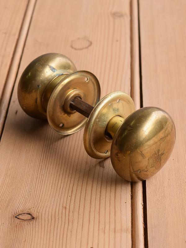 イギリス アンティーク 真鍮製 ドアノブ 建具金物 握り玉 10378