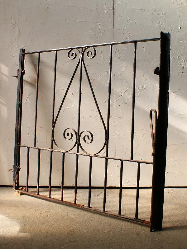 イギリスアンティーク アイアンフェンス ゲート柵 ガーデニング 4494