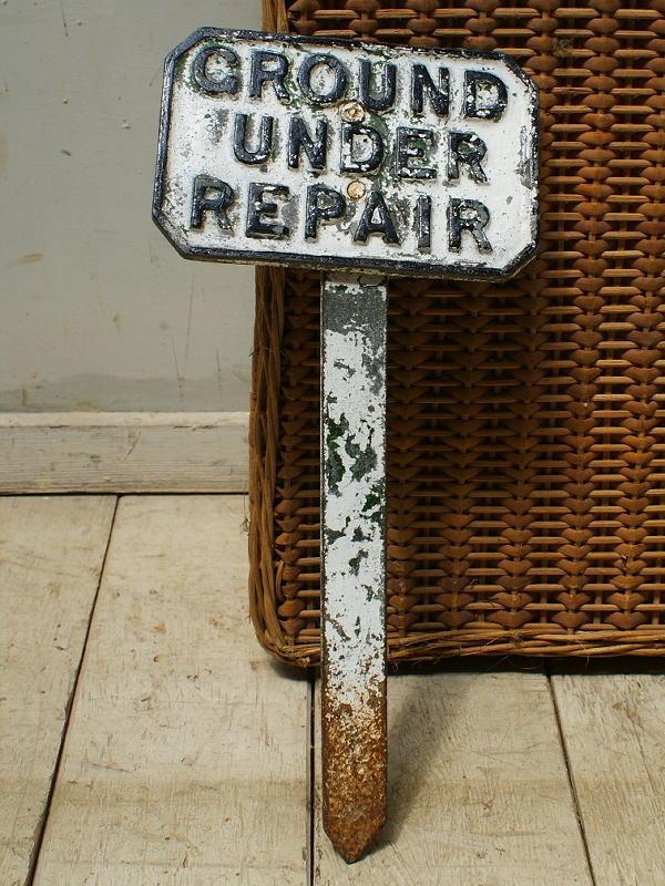イギリス アンティーク ゴルフ場のダイレクションサイン 標識 5627