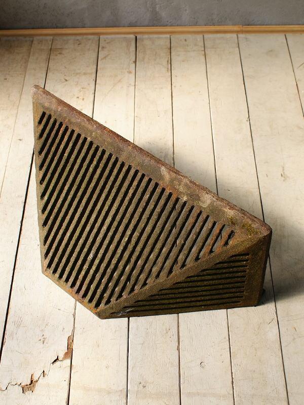 イギリス アンティーク ドレインカバー 壁掛けプランター ガーデニング 5824