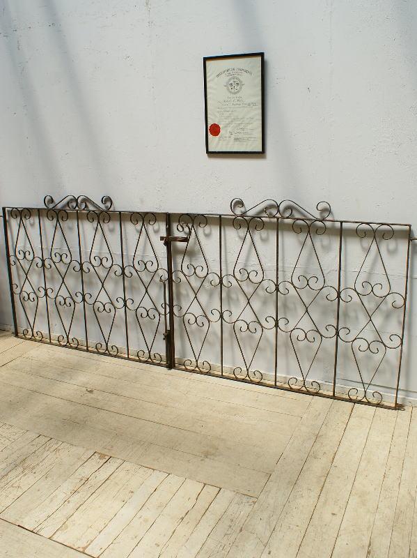 イギリスアンティーク アイアンフェンス ゲート柵 ガーデニング 6409