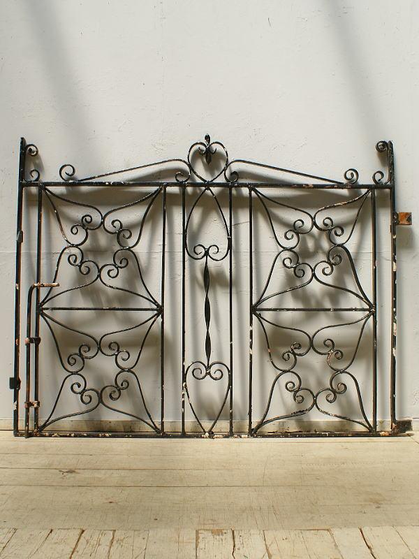 イギリスアンティーク アイアンフェンス ゲート柵 ガーデニング 6427