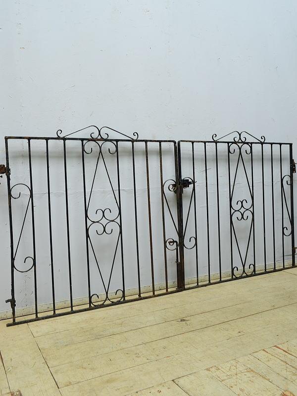 イギリスアンティーク アイアンフェンス ゲート柵 ガーデニング 6502