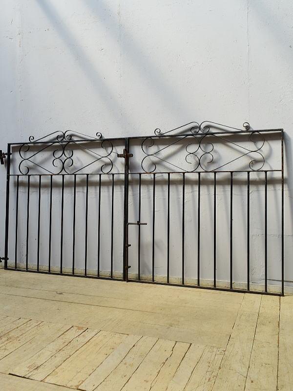 イギリスアンティーク アイアンフェンス ゲート柵 ガーデニング 6519