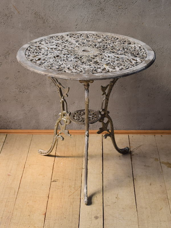 イギリス アンティーク アルミ製 ガーデンテーブル 6536