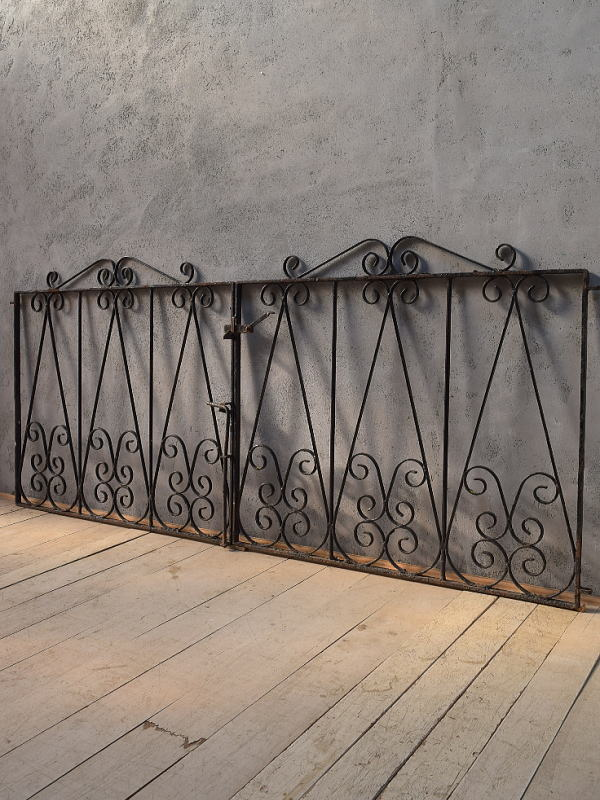 イギリス アンティーク アイアンフェンス ゲート柵 ガーデニング 6623