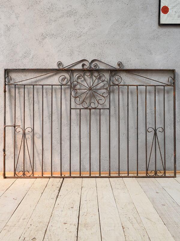 イギリスアンティーク アイアンフェンス ゲート柵 ガーデニング 6833