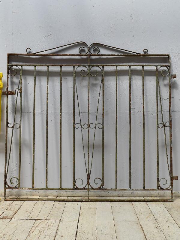 イギリスアンティーク アイアンフェンス ゲート柵 ガーデニング 6873