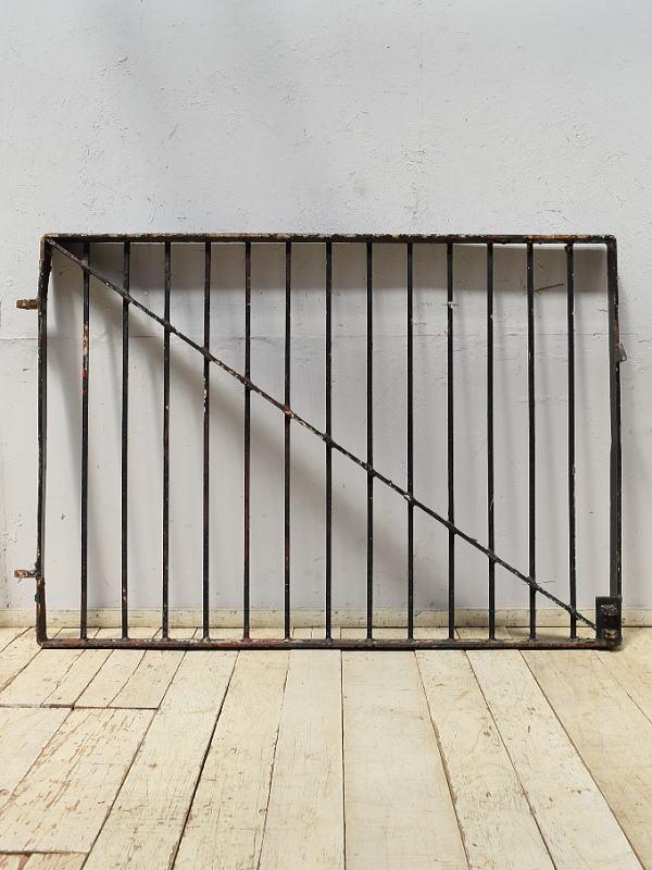 イギリスアンティーク アイアンフェンス ゲート柵 ガーデニング 6874