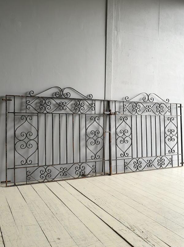 イギリス アンティーク アイアンフェンス ゲート柵 ガーデニング 7690