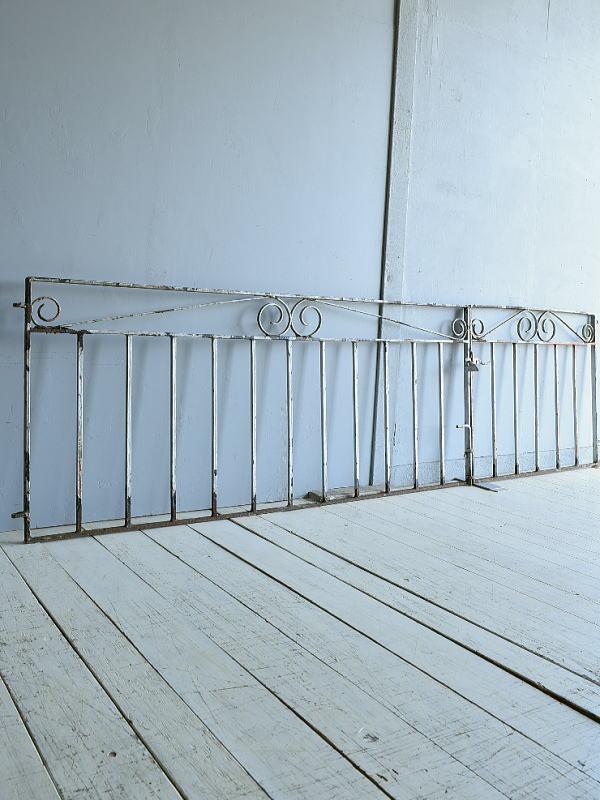 イギリス アンティーク アイアンフェンス ゲート柵 ガーデニング 7810