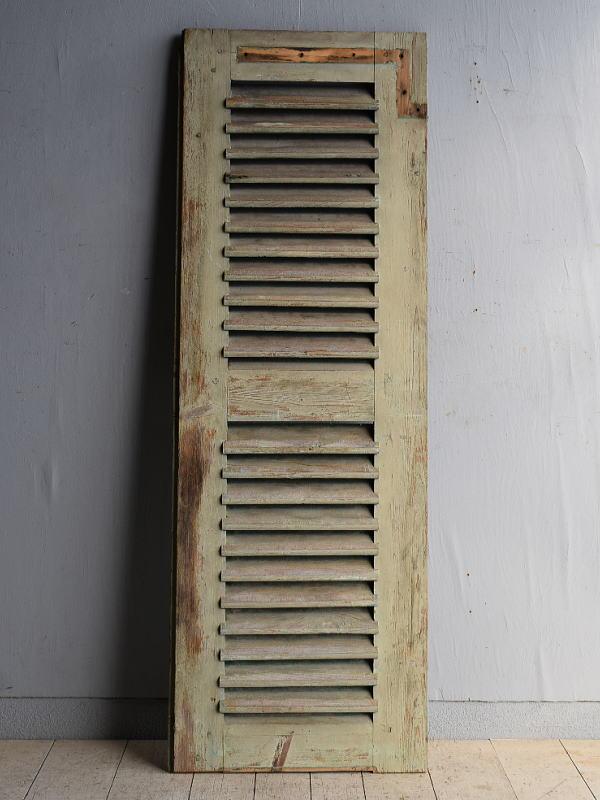 ルーマニア製 アンティーク 木製ルーバー雨戸 ディスプレイ 建具 8360