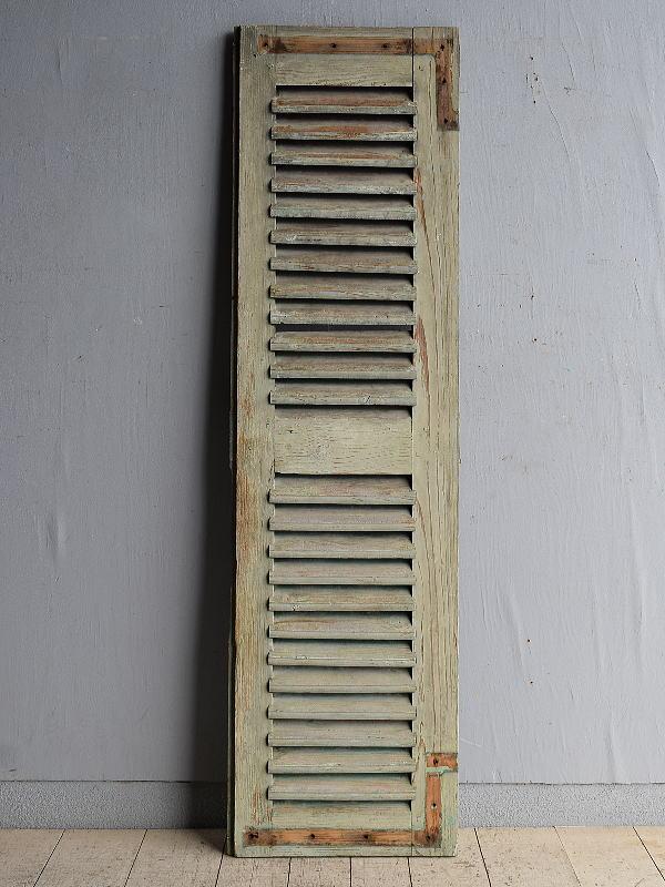 ルーマニア製 アンティーク 木製ルーバー雨戸 ディスプレイ 建具 8398