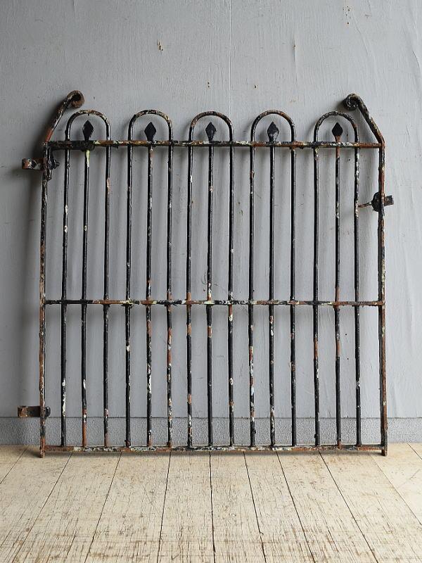 イギリスアンティーク アイアンフェンス ゲート柵 ガーデニング 8632