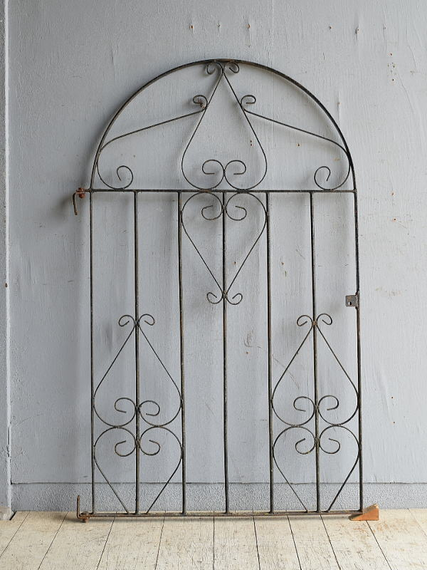 イギリスアンティーク アイアンフェンス ゲート柵 ガーデニング 8635