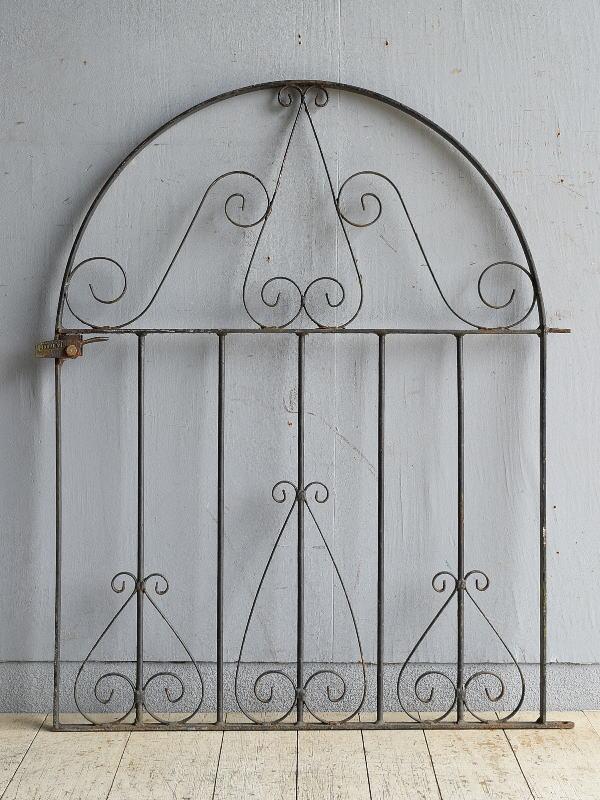 イギリスアンティーク アイアンフェンス ゲート柵 ガーデニング 8636