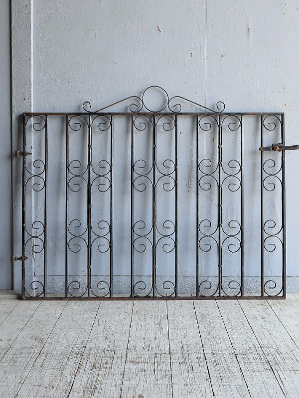 イギリスアンティーク アイアンフェンス ゲート柵 ガーデニング 8642
