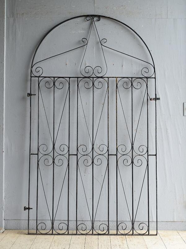 イギリスアンティーク アイアンフェンス ゲート柵 ガーデニング 8661