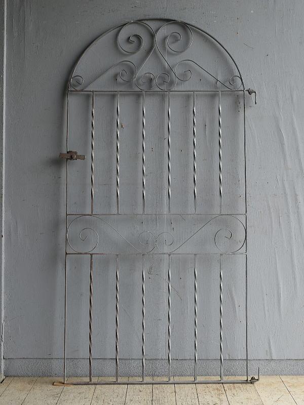 イギリスアンティーク アイアンフェンス ゲート柵 ガーデニング 8662