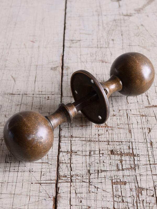 イギリス 真鍮製 ドアノブ 建具金物 握り玉 9165