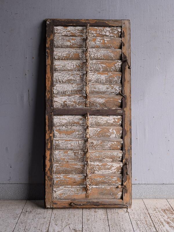 ルーマニア製 アンティーク 木製ルーバー雨戸 ディスプレイ 建具 9232