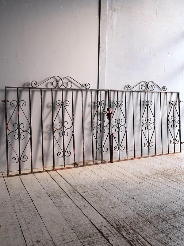 イギリスアンティーク アイアンフェンス ゲート柵 ガーデニング 9253
