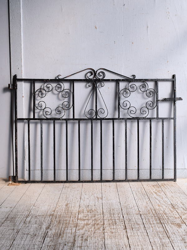イギリスアンティーク アイアンフェンス ゲート柵 ガーデニング 9255