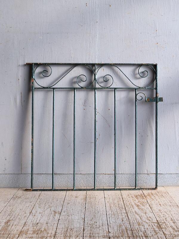 イギリスアンティーク アイアンフェンス ゲート柵 ガーデニング 9304
