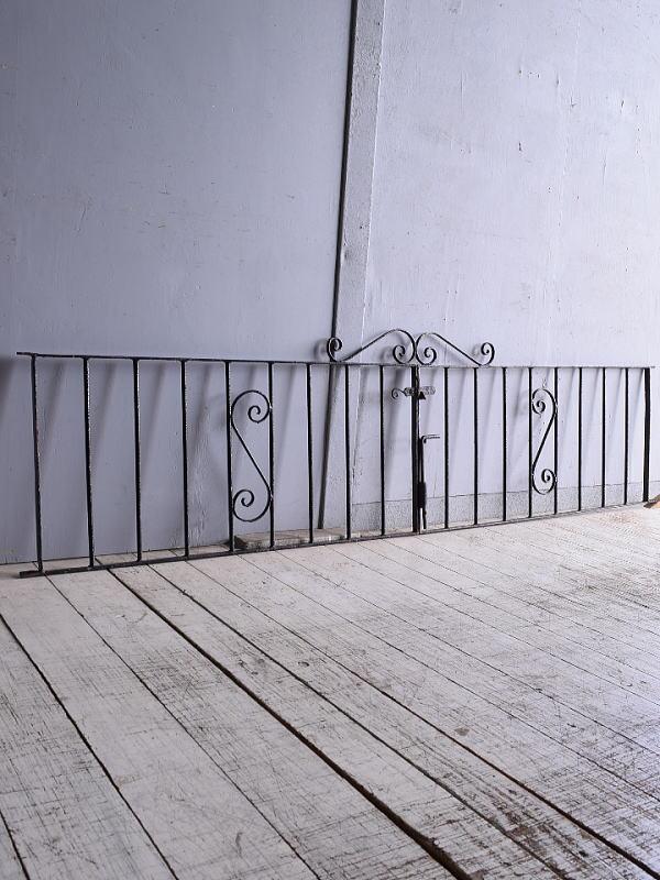 イギリスアンティーク アイアンフェンス ゲート柵 ガーデニング 9320