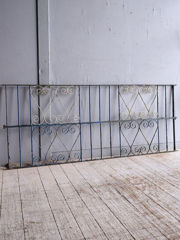 イギリスアンティーク アイアンフェンス ゲート柵 ガーデニング 9327