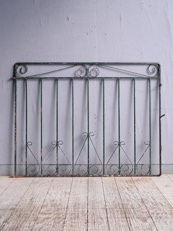イギリスアンティーク アイアンフェンス ゲート柵 ガーデニング 9340