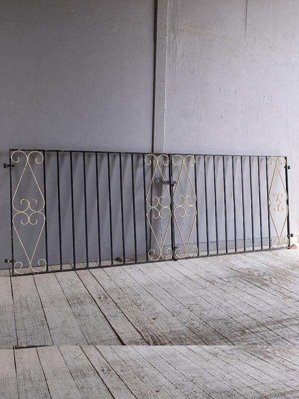 イギリスアンティーク アイアンフェンス ゲート柵 ガーデニング 9512