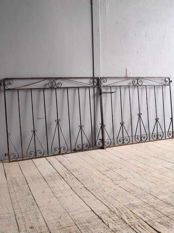 イギリスアンティーク アイアンフェンス ゲート柵 ガーデニング 9734