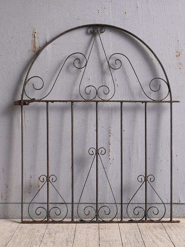 イギリスアンティーク アイアンフェンス ゲート柵 ガーデニング 9736