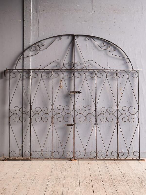 イギリスアンティーク アイアンフェンス ゲート柵 ガーデニング 9737