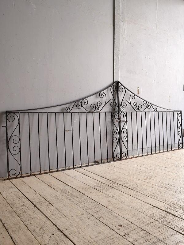 イギリスアンティーク アイアンフェンス ゲート柵 ガーデニング 9744