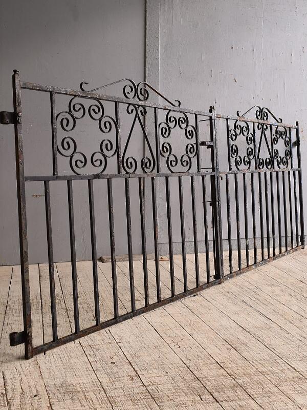 イギリス アンティーク アイアンフェンス ゲート柵 ガーデニング 9825