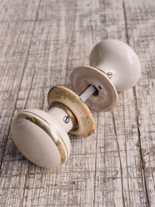 イギリス 陶器製 ドアノブ 建具金物 握り玉 9939