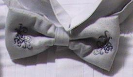 ブルーグレー刺繍タイ