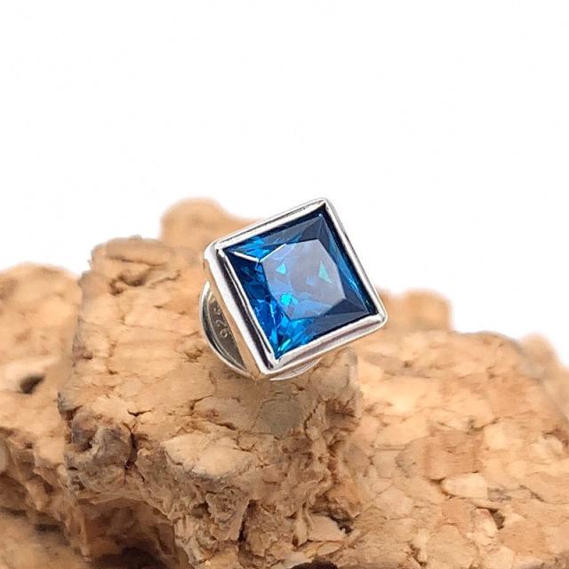 四角い青い石のピアス、pe38、シルバー925製