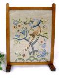 1910年代:ハンドメイド刺しゅう♪英国の野鳥さんとお花たちが咲いたファイヤースクリーン