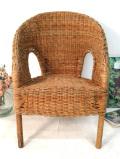 <英国アンティーク家具>1940年代:いいお味になった籐で編まれたチャイルドチェア