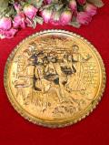 1920年代:立体的な無垢の真鍮細工♪英国アンティークのパブの風景の飾り皿