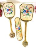 1930年代:英国の華やかなお花たちの優雅なプチポワン♪真鍮細工が美しいドレッシングセット「3点組」