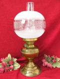 1910年代:エドワーディアン時代♪ガラスの立体的なお花が美しい英国アンティークのとても大きなオイルランプ