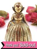 1920年代:伝統的衣装に身を包んだ微笑みのレディ♪真鍮細工がステキな無垢の真鍮のアンティーク・ベル