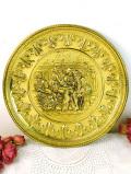 1920年代:立体的な無垢の真鍮細工♪英国アンティークのパブの風景の大きな飾り皿
