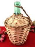 <イタリア製:VIRESA>レア♪1960年代:イタリアの老舗ガラスメーカーのバスケットに入ったワインボトル