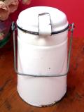 1930年代:とても珍しい英国アンティークホーローの紅茶携帯用ポット「ビリーカン」